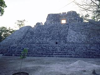 West temple pyramid, Becan